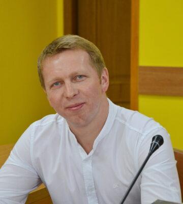 https://www.uahhg.org.ua/wp-content/uploads/2020/03/Фото-Василь-Новицький-scaled-360x400.jpg